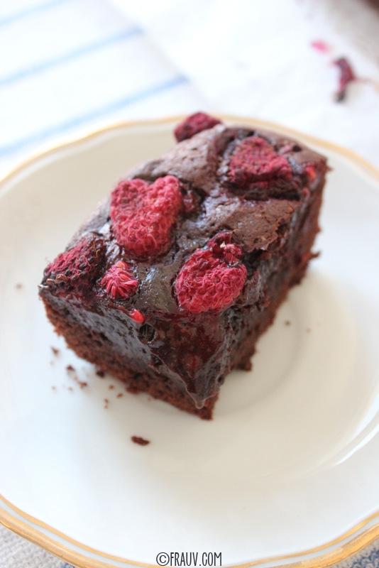 Schokoladen-Brownie mit Himbeeren_IMG_2984