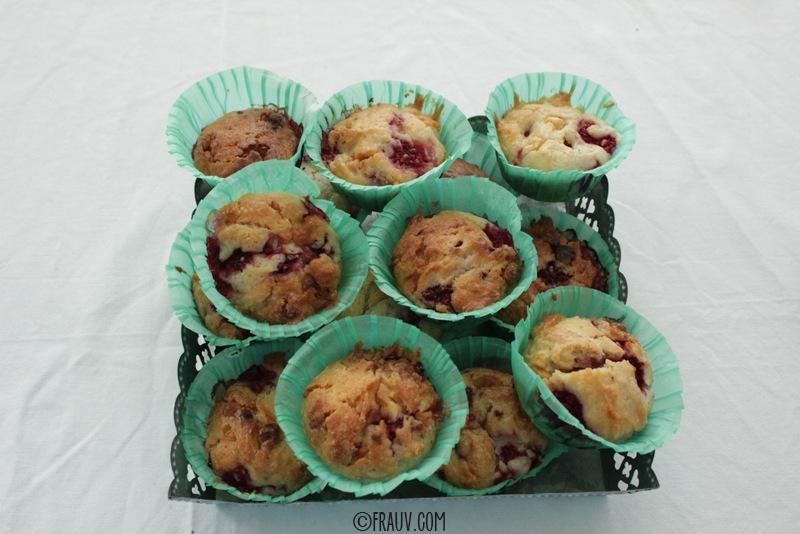 Muffins mit weißer Schokolade und Himbeeren_IMG_1343