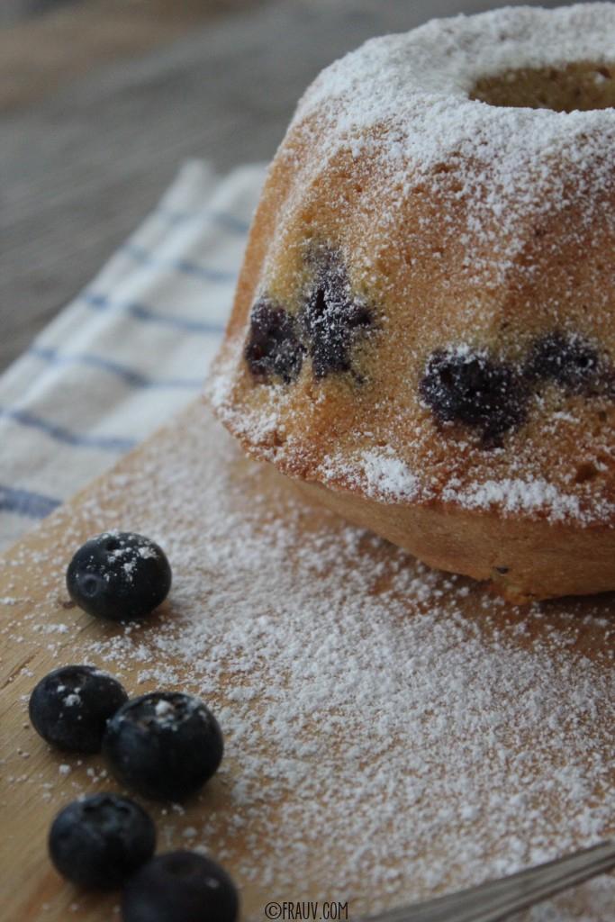 frauv | Vanille-Grießkuchen mit Heidelbeeren_IMG_4787