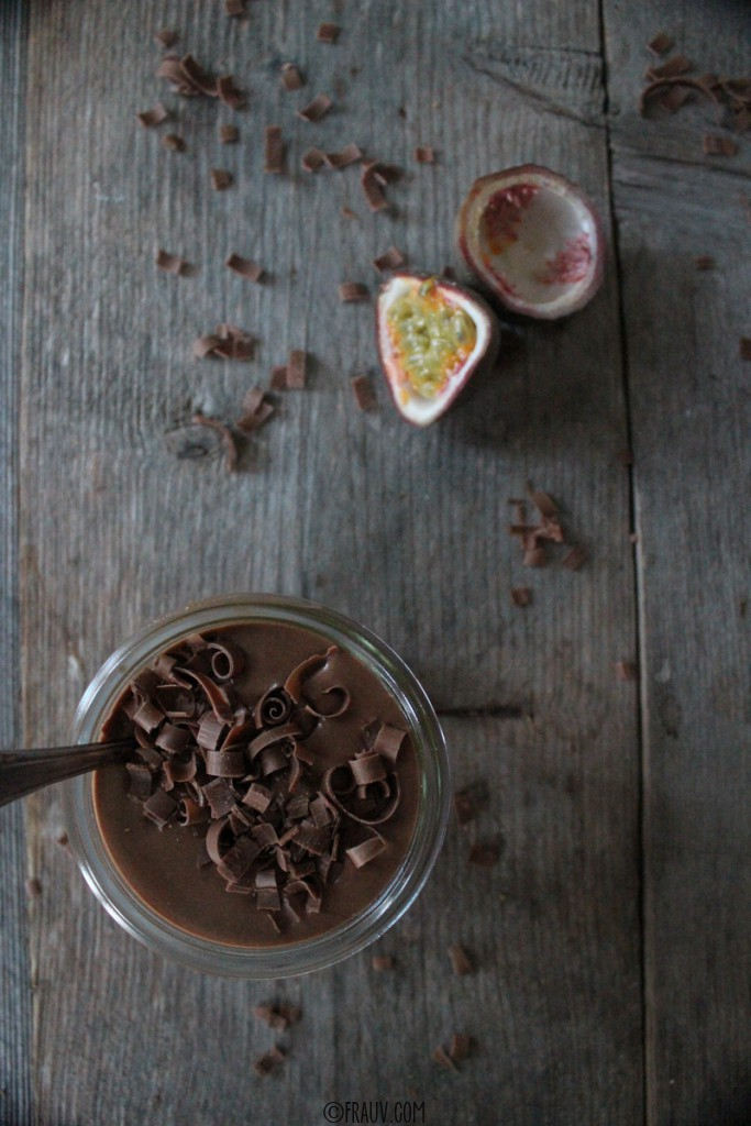 frauv_Schokoladencrème mit Mango-Passionsfrucht-Kompott_IMG_5971