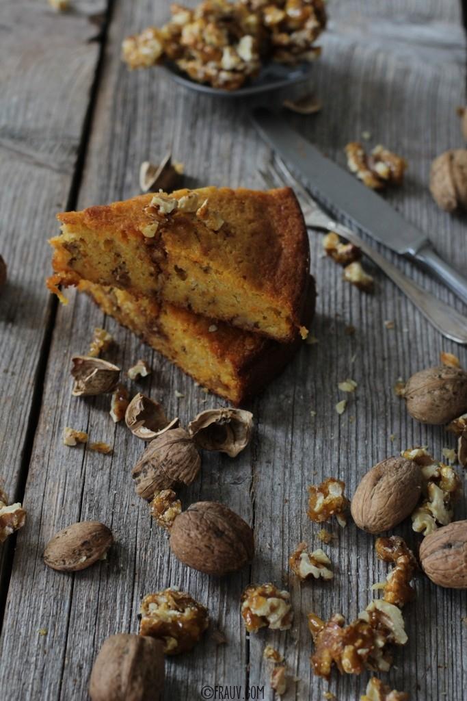 frauv_Karottenkuchen mit karamellisierten Walnüssen_img_1267