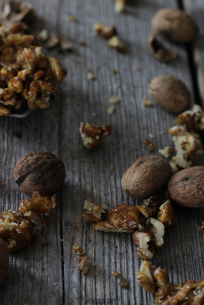 frauv_Karottenkuchen mit karamellisierten Walnüssen_img_1289